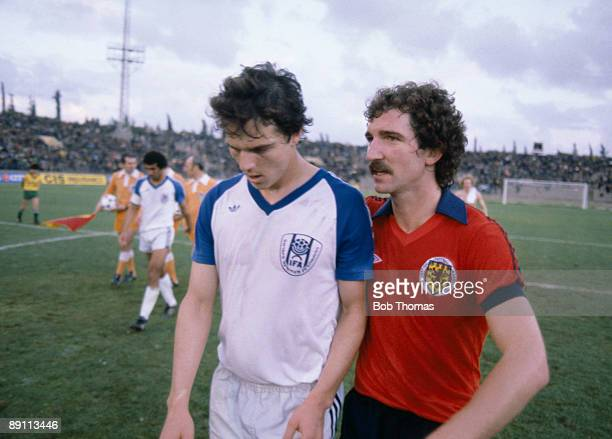 Scotland's Graeme Souness with Israel's Avi Cohen after the FIFA World Cup Qualifying match in Tel Aviv 25th February 1981 Scotland won 10 Souness...
