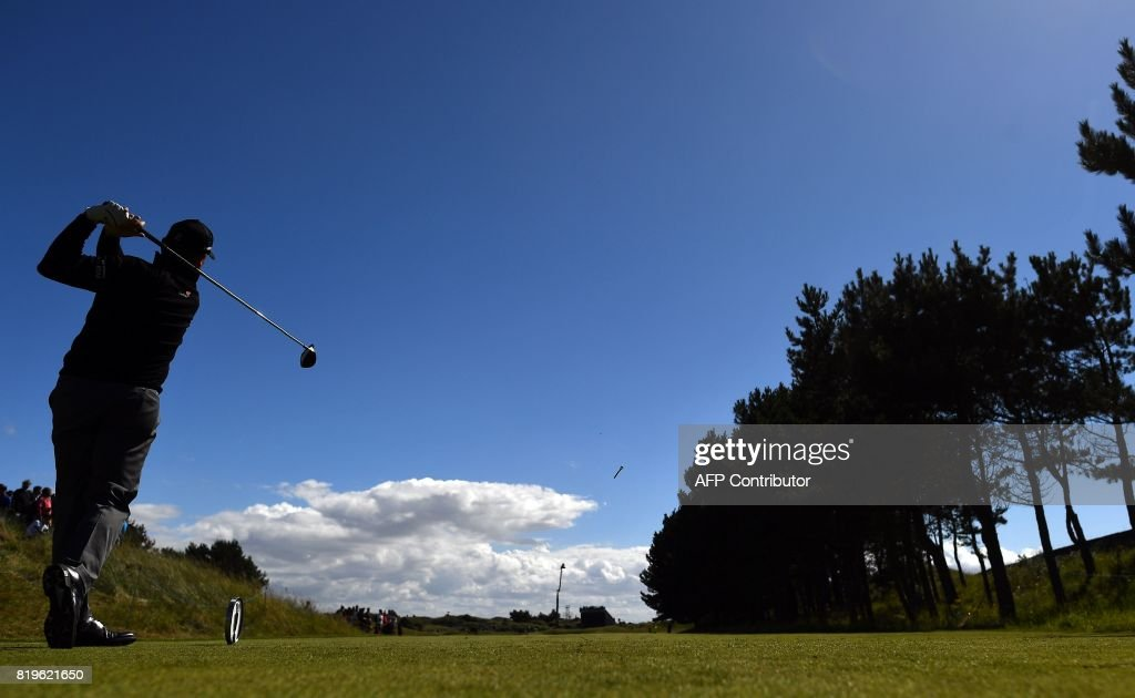 Scotland's Paul Lawrie plays from the 6th tee during his opening round on the first day of the Open Golf Championship at Royal Birkdale golf course near Southport in north west England on July 20, 2017. / AFP PHOTO / Ben STANSALL / RESTRICTED