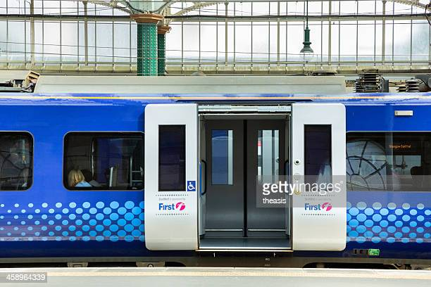 scotrail train at glasgow central station - theasis stock pictures, royalty-free photos & images