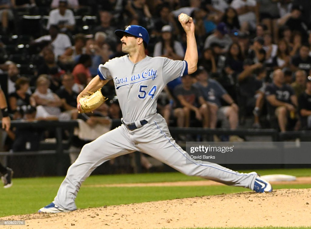 Scott Alexander #54 of the Kansas City Royals pitches against the Chicago White Sox during the seventh inning on September 23, 2017 at Guaranteed Rate Field in Chicago, Illinois.