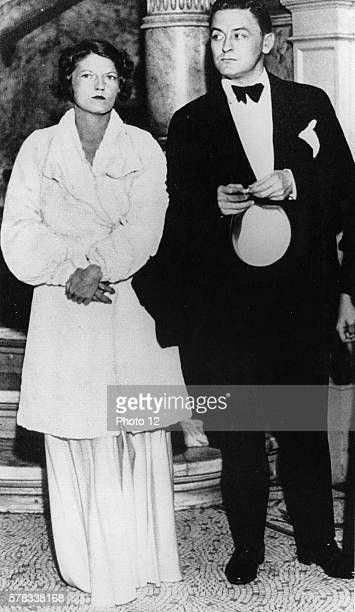 Scott and Zelda Fitzgerald attending the premiere of the film 'Dinner at eight', 1933.