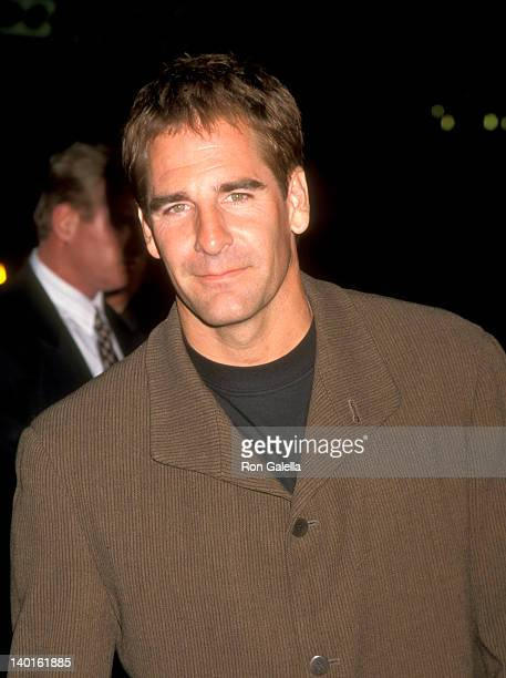 Scott Bakula at the Premiere of 'Lord of Illusions' Mann's Chinese Theatre Hollywood