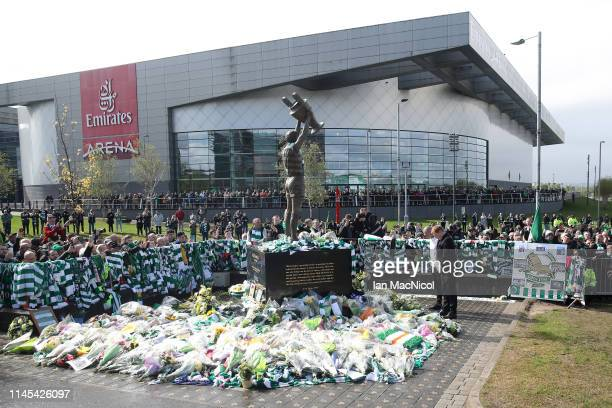 Scott Brown of Celtic and Neil Lennon Interim manager of Celtic pay tribute to Celtic legend Billy McNeill prior to the Ladbrokes Scottish...