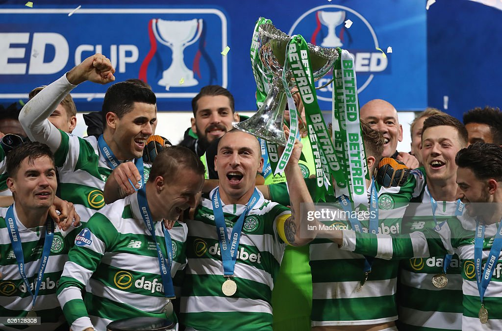 Scott Brown of Celtic lifts the trophy during the Betfred Cup Final between Aberdeen and Celtic at Hampden Park on November 27, 2016 in Glasgow, Scotland.