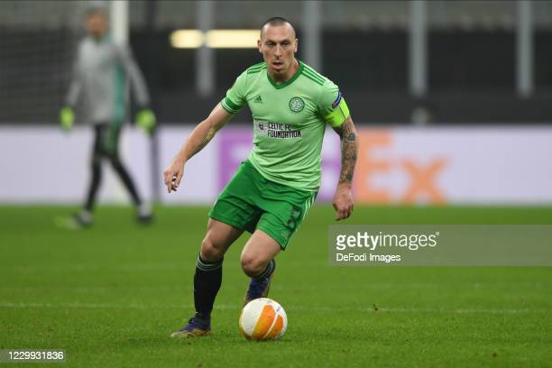 Scott Brown of FC Celtic Glasgow controls the ball during the UEFA Europa League Group H stage match between AC Milan and Celtic at San Siro Stadium...