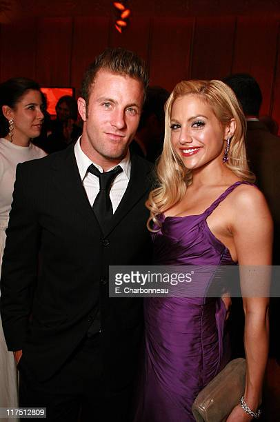 Scott Caan and Brittany Murphy during 2006 Vanity Fair Oscar Party Hosted by Graydon Carter at Morton's in Beverly Hills California United States