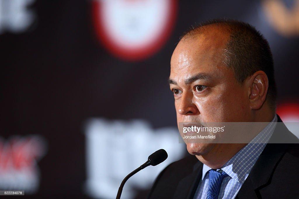 MMA Press Conference : News Photo