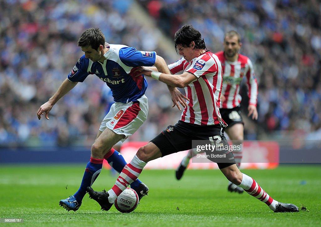 Southampton v Carlisle United - Johnstone's Paint Trophy Final : News Photo