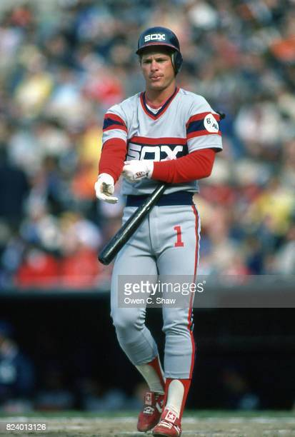Scott Fletcher of the Chicago White Sox prepares to bat against the Baltimore Orioles at Memorial Stadium circa 1983 in Baltimore Maryland