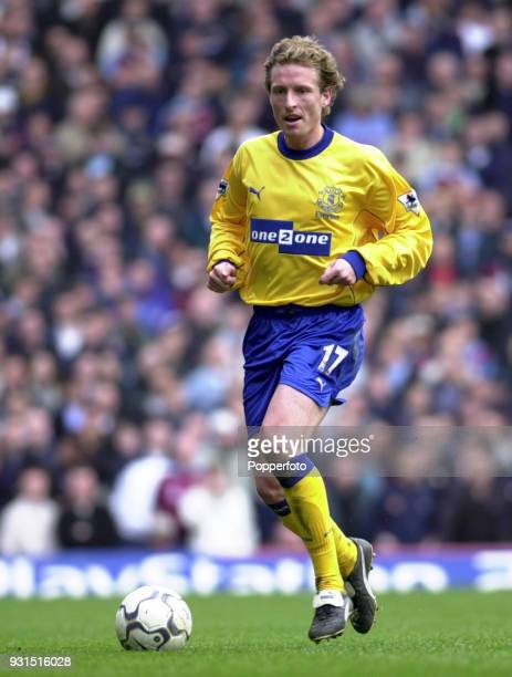 Scott Gemmill of Everton in action during the FA Carling Premiership game between West Ham United and Everton at Upton Park in London on March 31 2001