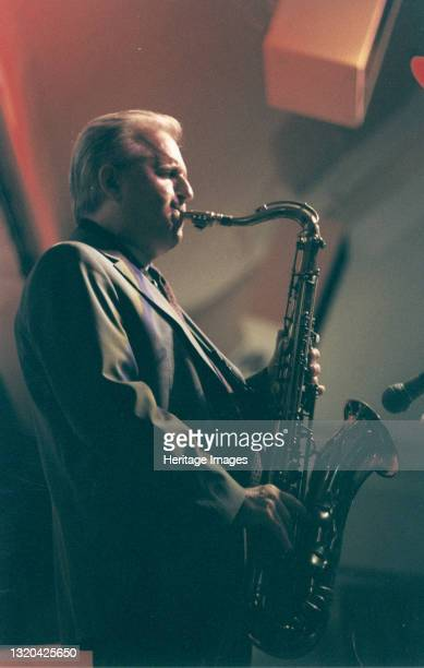 Scott Hamilton, Jazz Party, Norwich, 2007. Artist Brian Foskett.