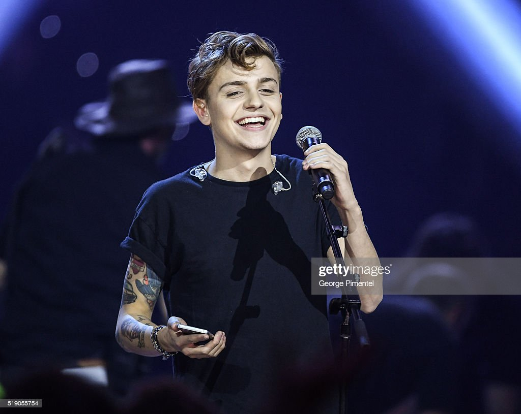 Scott Helman performs at the 2016 Juno Awards at Scotiabank Saddledome on April 3, 2016 in Calgary, Canada.