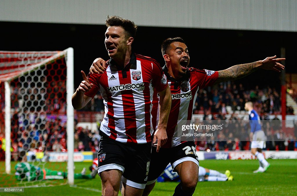 Brentford v Cardiff City - Sky Bet Championship : News Photo