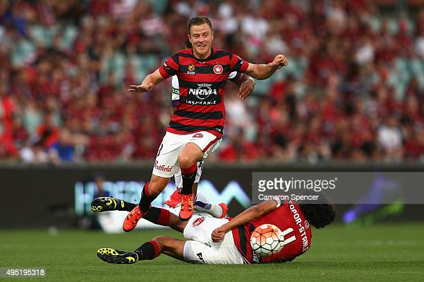 Scott Jamieson of the Wanderers chases the ball during the round four ALeague match between the Western Sydney Wanderers and Perth Glory at Pirtek...