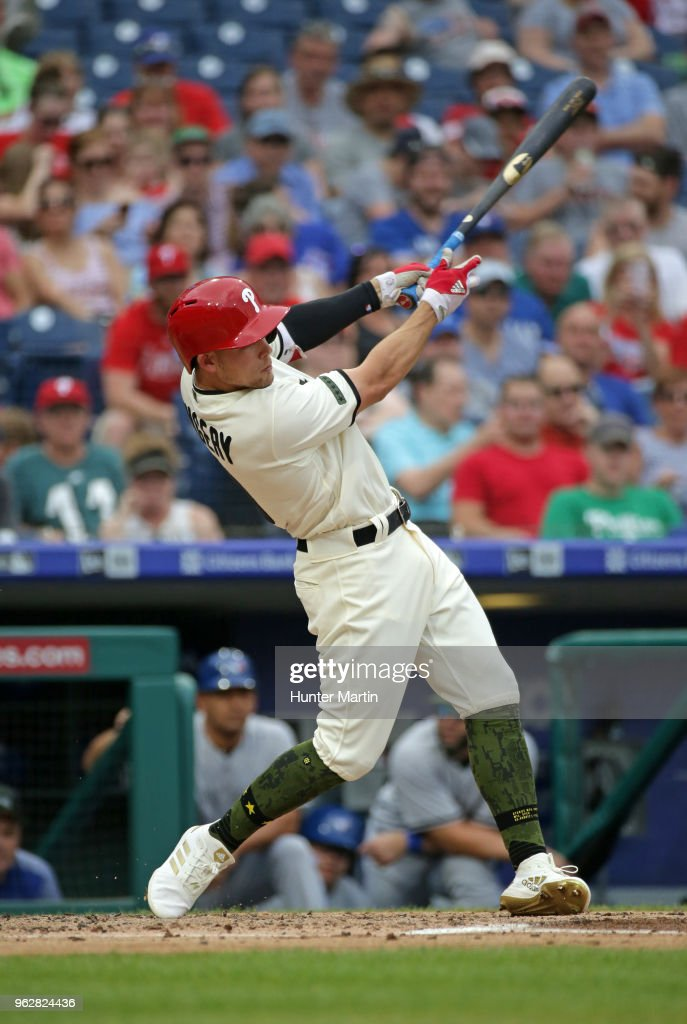 Scott Kingery #4 of the Philadelphia Phillies singles in the second inning during a game against the Toronto Blue Jays at Citizens Bank Park on May 26, 2018 in Philadelphia, Pennsylvania. The Phillies won 2-1.