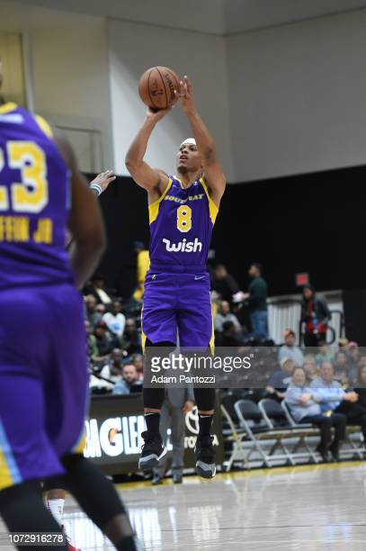 Scott Machado of the South Bay Lakers shoots the basketball against the Capital City GoGo on December 13 2018 at UCLA Heath Training Center in El...
