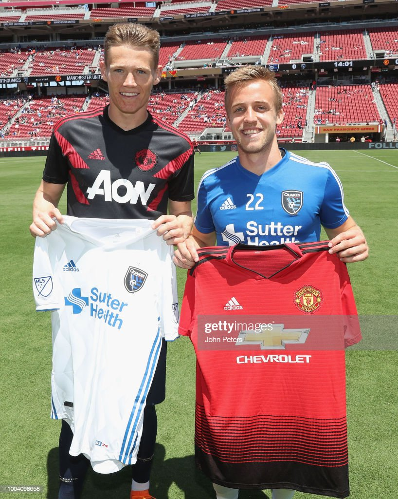 Sabroso Fuerza Emulación  Scott McTominay of Manchester United and Tommy Thompson of San Jose... News  Photo - Getty Images