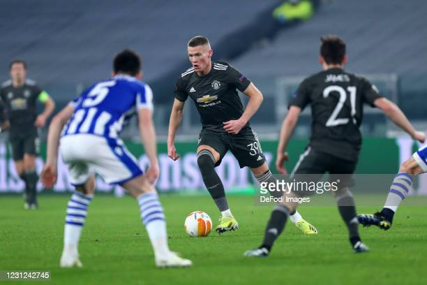 Scott McTominay of Manchester United controls the ball during the UEFA Europa League Round of 32 match between Real Sociedad and Manchester United at...