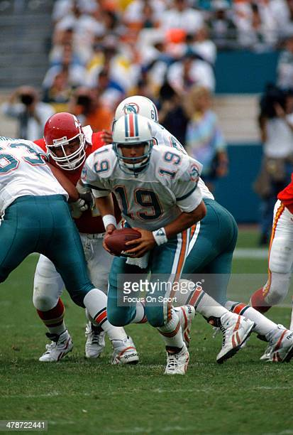 Scott Mitchell of the Miami Dolphins in action against the Kansas City Chiefs during an NFL football game October 31 1993 at Joe Robbie Stadium in...