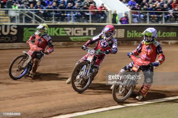 Scott Nicholls inside Steve Worrall and Chris Harris during the SGB Premiership Grand Final 1st Leg between Belle Vue Aces and Peterborough Panthers...