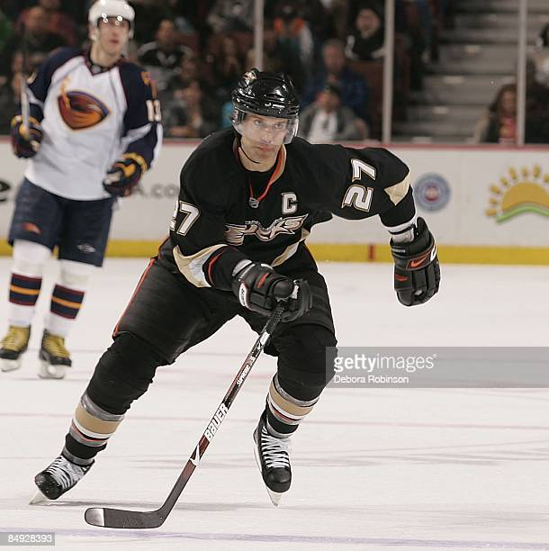 Scott Niedermayer of the Anaheim Ducks skates on the ice against the Atlanta Thrashers during the game on February 15 2009 at Honda Center in Anaheim...