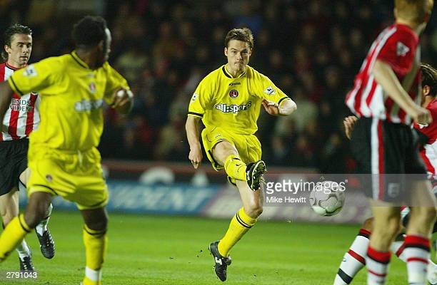 Scott Parker of Charlton Athletic scores their first goal during the FA Barclaycard Premiership match between Southampton and Charlton Athletic at St...