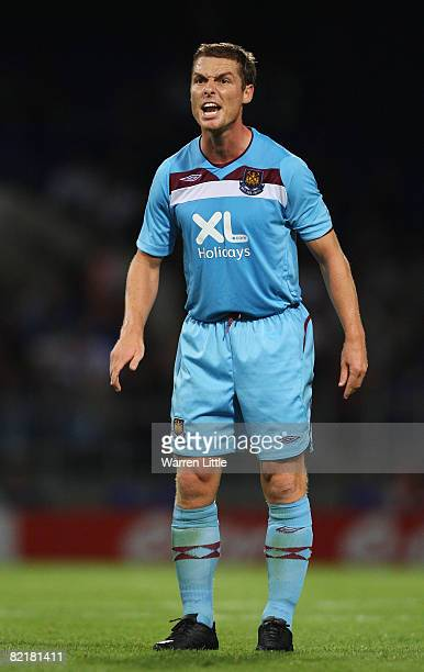Scott Parker of West Ham United shouts out to his team mate during the Pre Season Friendly match between Ipswich Town and West Ham United at The...