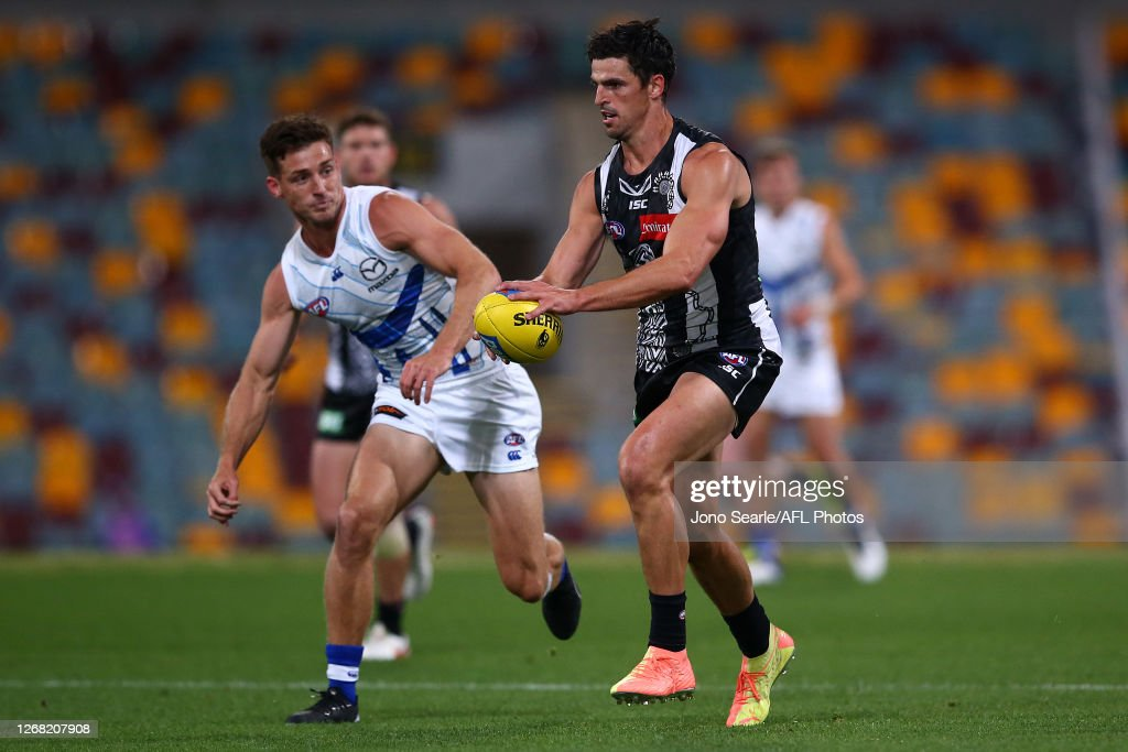 AFL Rd 13 - Collingwood v North Melbourne : News Photo