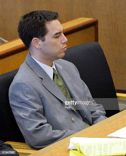 Scott Peterson sits during defense closing arguments in the penalty phase of his murder trial at the San Mateo County Courthouse December 9 2004 in...
