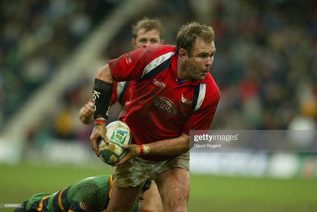 Scott Quinnell of Llanelli : News Photo