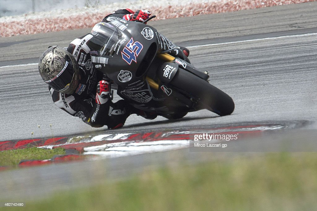 Scott Redding of Great Britain and Estrella Galicia 0,0Marc VDS rounds the bend during day one of the MotoGP tests at Sepang Circuit Sepang Circuit on February 4, 2015 in Kuala Lumpur, Malaysia.