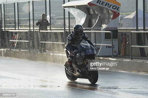Scott Redding of Great Britain and Marc VDS Racing Team returns in box during the MotoGP Tests in Valencia at Ricardo Tormo Circuit on November 11...