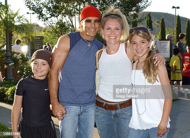 Scott Reeves Melissa Reeves and children Larry and Emily