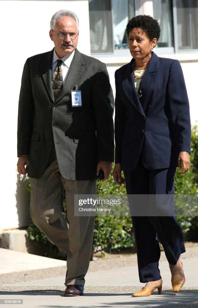 Scott Ross (L) and actress Vernee Watson-Johnson arrive outside the Santa Barbara County Courthouse for Michael Jackson's child molestation trial May 18, 2005 in Santa Maria, California. Jackson is charged in a 10-count indictment with molesting a boy, plying him with liquor and conspiring to commit child abduction, false imprisonment and extortion. He has pleaded innocent.