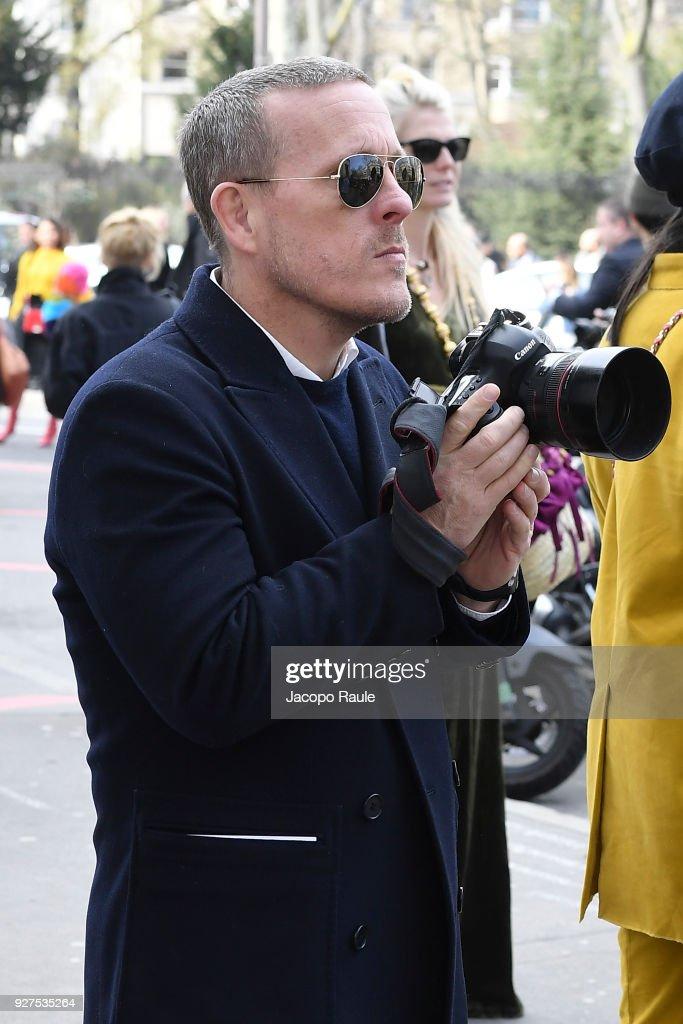 Scott Schuman attends the Giambattista Valli show as part of the Paris Fashion Week Womenswear Fall/Winter 2018/2019 on March 5, 2018 in Paris, France.