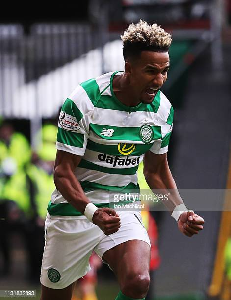 Scott Sinclair of Celtic celebrates scoring the opening goal during the Scottish Ladbrokes Premiership match between Celtic and Motherwell at Celtic...