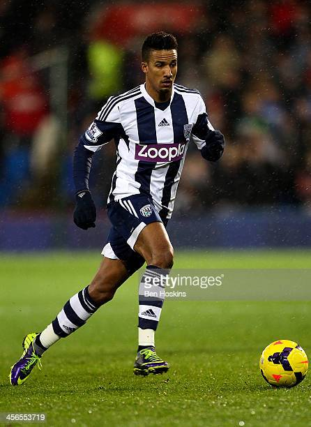 Scott Sinclair of West Brom in action during the Barclays Premier League match between Cardiff City and West Bromwich Albion at Cardiff City Stadium...