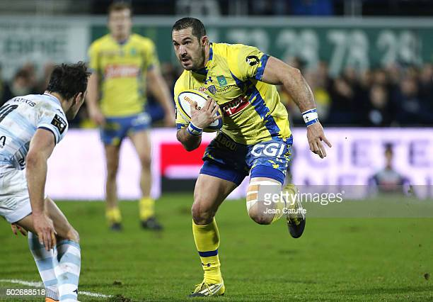 Scott Spedding of ASM Clermont in action during the Top 14 rugby match between ASM Clermont Auvergne and Racing 92 at Stade Marcel Michelin on...