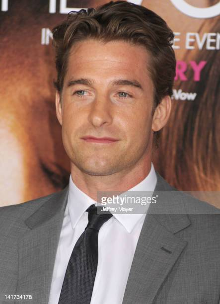 """Scott Speedman arrives at """"The Vow"""" Los Angeles Premiere at Grauman's Chinese Theatre on February 6, 2012 in Hollywood, California."""