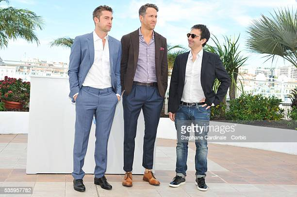 """Scott Speedman, Ryan Reynolds and Atom Egoyan attend the """"Captives"""" photocall during the 67th Cannes Film Festival."""
