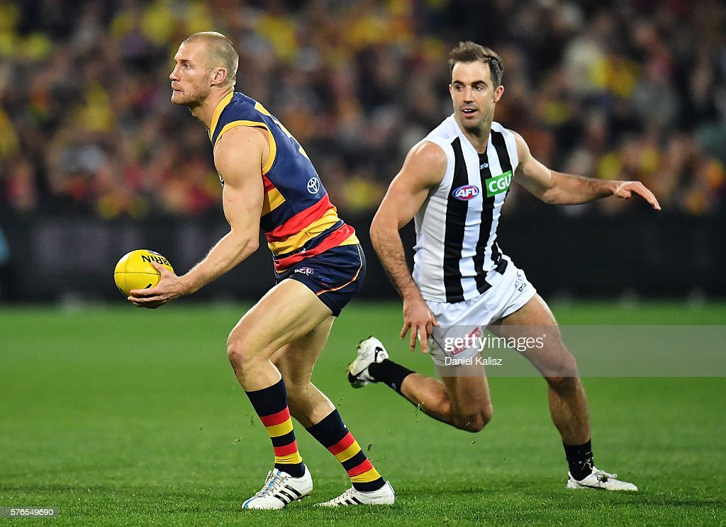 AFL Rd 17 - Adelaide v Collngwood : News Photo