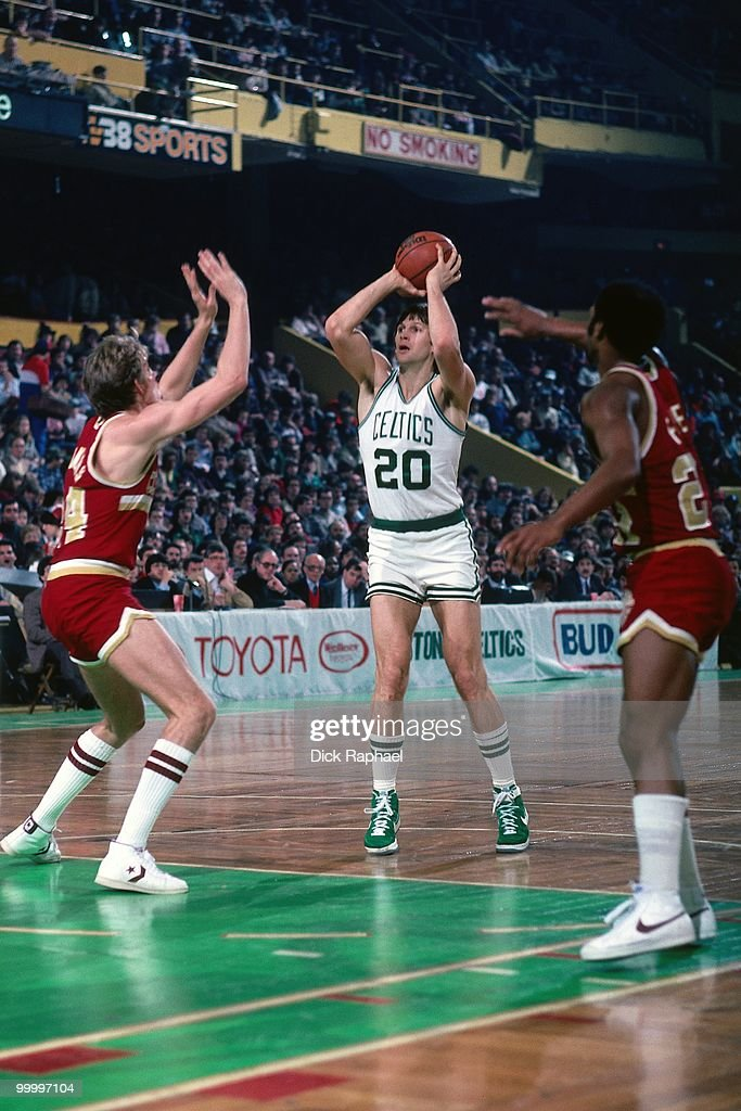 Scott Wedman #20 of the Boston Celtics shoots a jumper against the Cleveland Cavaliers during a game played in 1983 at the Boston Garden in Boston, Massachusetts.