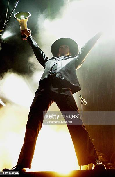 Scott Weiland of Stone Temple Pilots during Family Values Tour 2001 at Arrowhead Pond in Anaheim, California, United States.