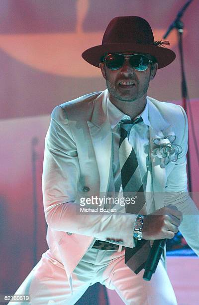 Scott Weiland of The Stone Temple Pilots performs at the TMobile Launch Party for The TMobile Sidekick LX Tony Hawk Edition on August 1 2008 in...