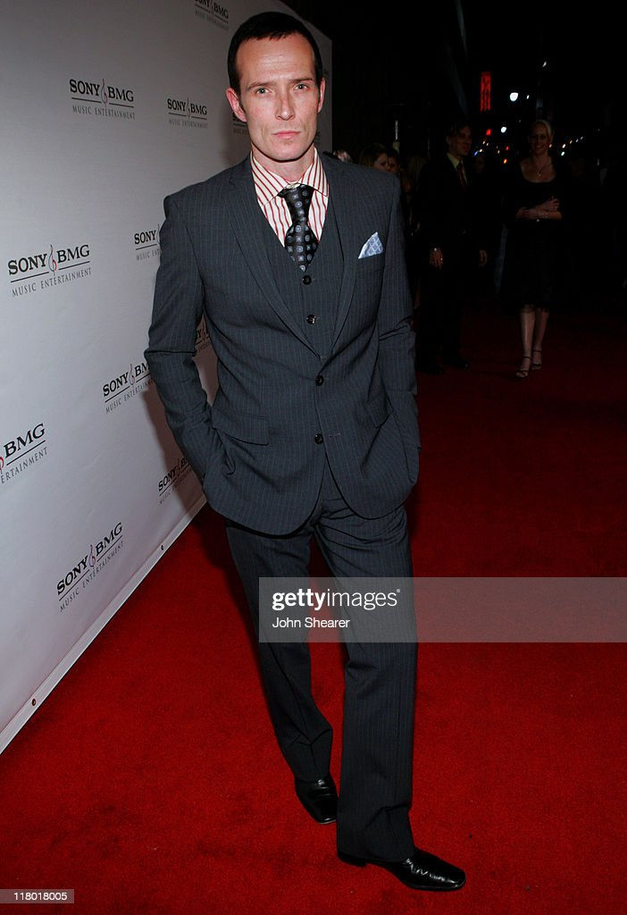 Scott Weiland of Velvet Revolver during 2006 Sony/BMG GRAMMY After Party - Red Carpet at Roosevelt Hotel in Hollywood, California, United States.