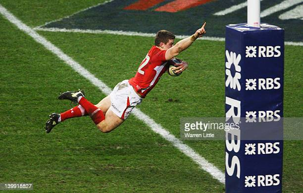 Scott Williams of Wales goes over to score his try during the RBS 6 Nations match between England and Wales at Twickenham Stadium on February 25 2012...