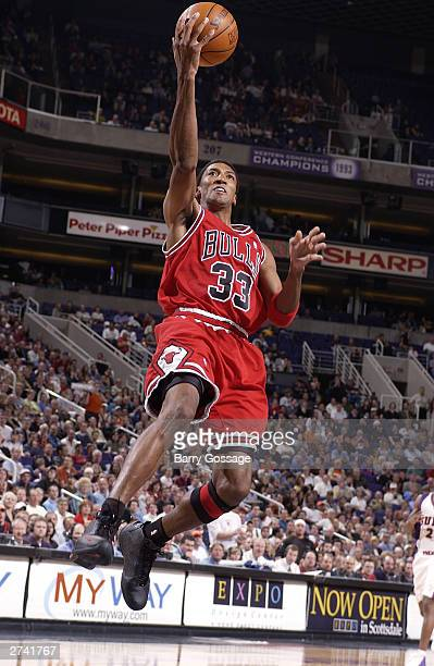 Scottie Pippen of the Chicago Bulls shoots against the Phoenix Suns on November 18 2003 at America West Arena in Phoenix Arizona NOTE TO USER User...