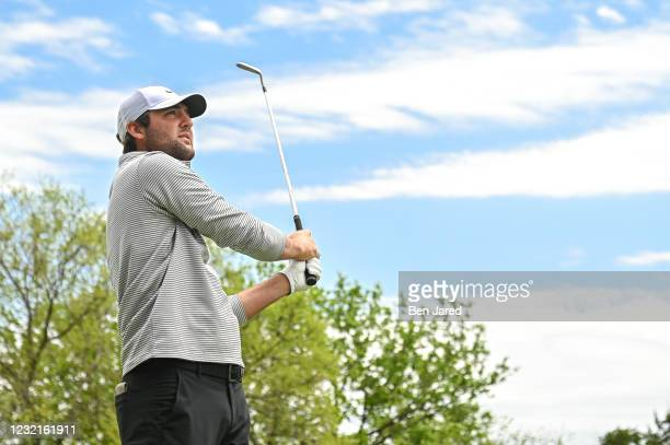 Scottie Scheffler hits a shot on the 17th tee box during the semifinal match at the World Golf Championships-Dell Technologies Match Play at Austin...