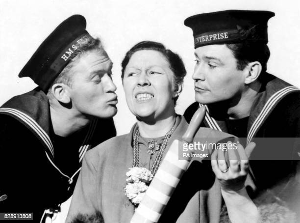 Scottish actor Gordon Jackson *PA News Photo 2/2/56 A library file picture of Peggy Mount with Gordon Jackson and Ronald Lewis during a scene from...