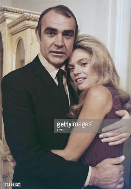 Scottish actor Sean Connery stars with American actress Dyan Cannon in the film 'The Anderson Tapes' 1971